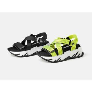 {Zara} Black Athletic Platform Sandals
